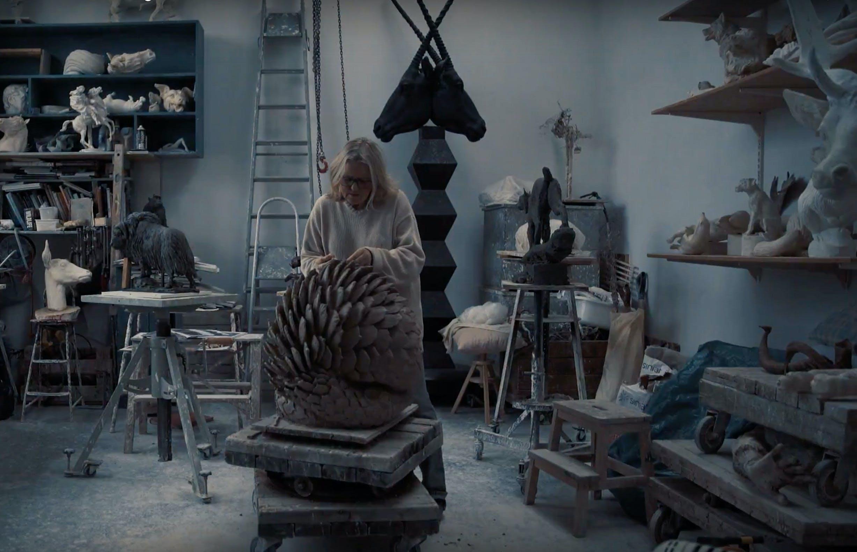 Kunstneren i sitt atelier